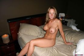 mature housewife naked